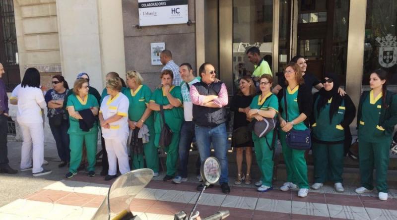 El personal de Limpiasol percibe el resto de la nómina impagada de abril