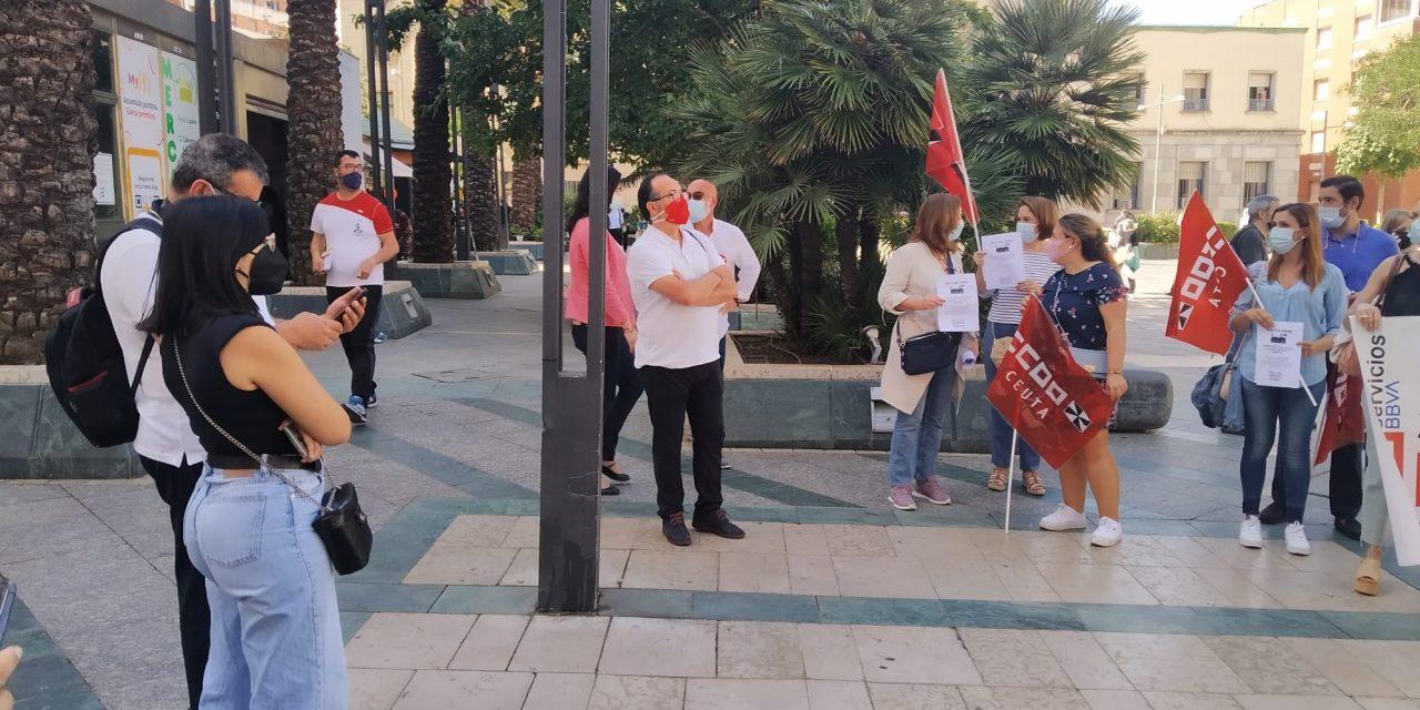 UGT arropa a la plantilla del BBVA en Ceuta,  movilizados contra el ERE del banco